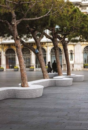 public spaces tippy planter