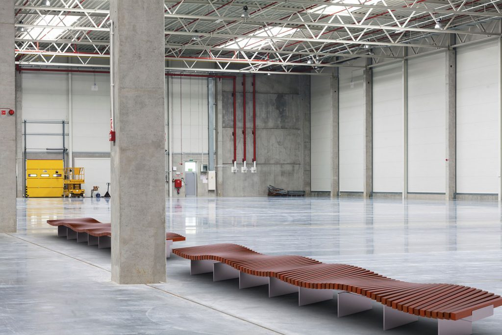 RIBBON-Twist-Bench-02-factory-furniture
